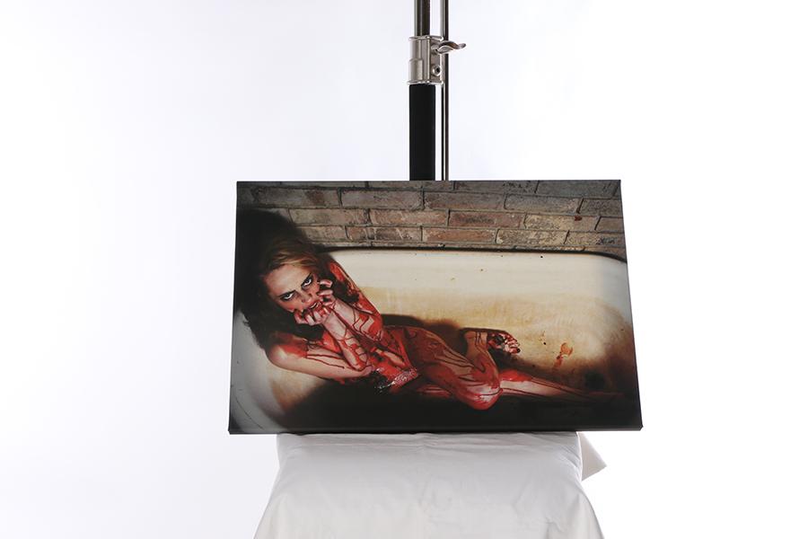 Canvas Print Blood Bath Image
