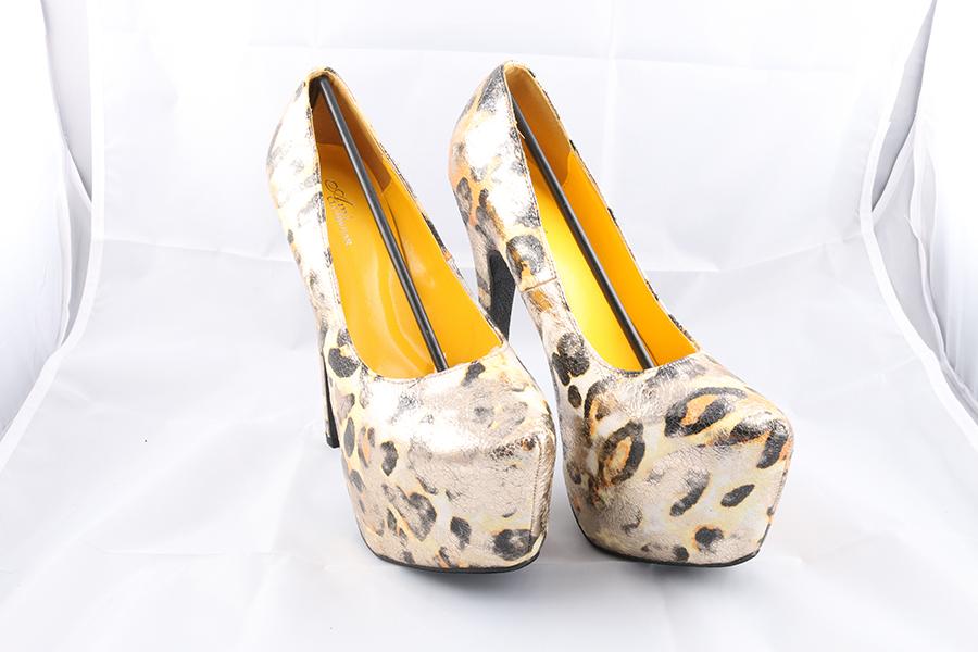 Yellow Gold Heels Image