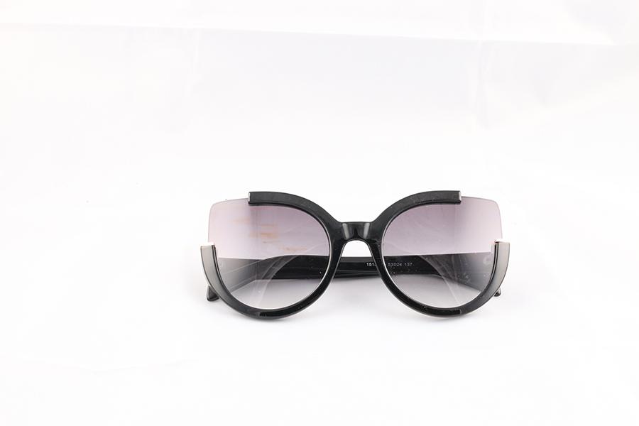 Black Cat Eye Eyewear Image