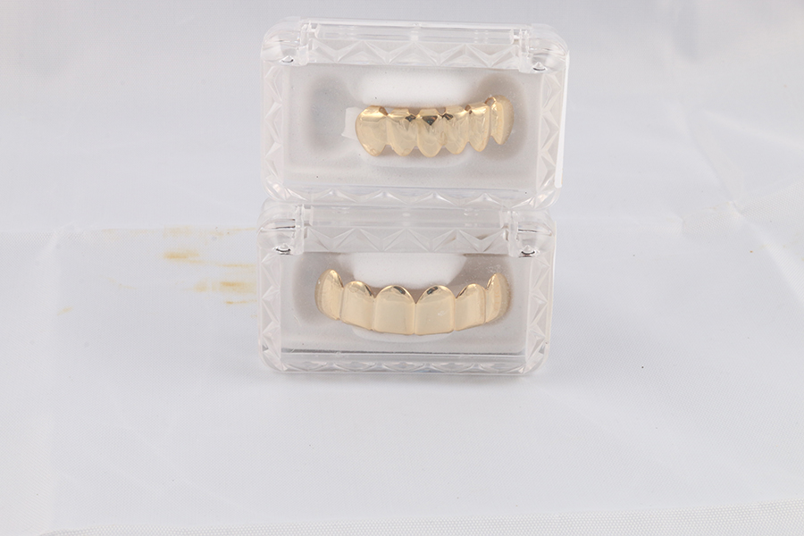 Gold Top Bottom Grill Image