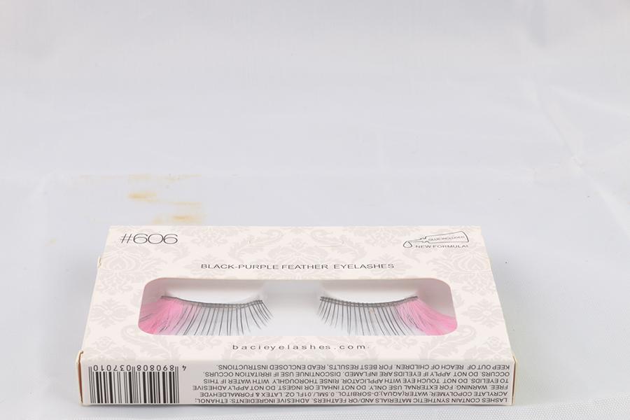 Pink Feather Eyelashes Image