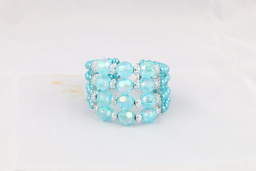Teal Beaded Bracelet Image