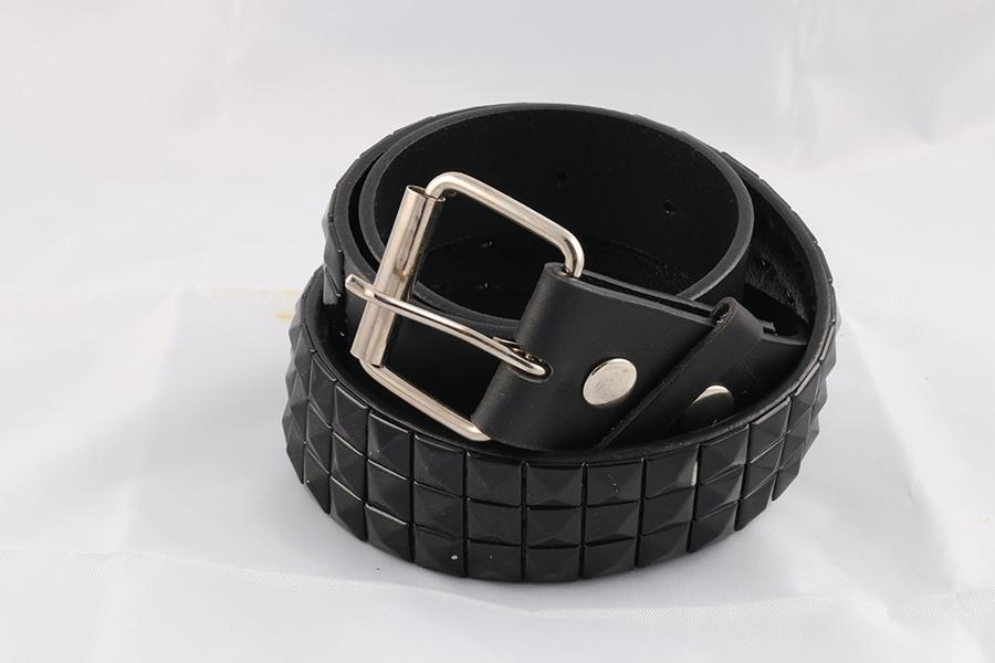 Unisex Black Pyramid Belt Image