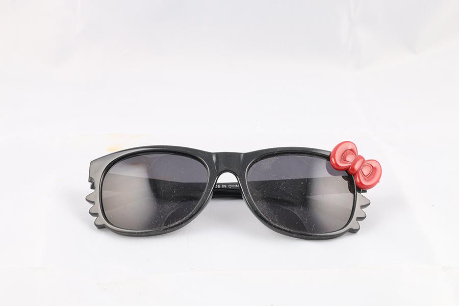 Black Frame Tented Lens Hello Kitty Glasses Image