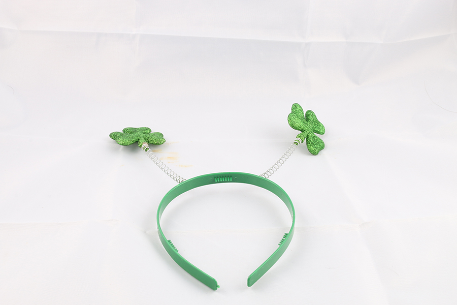 2 Clover Headband Image