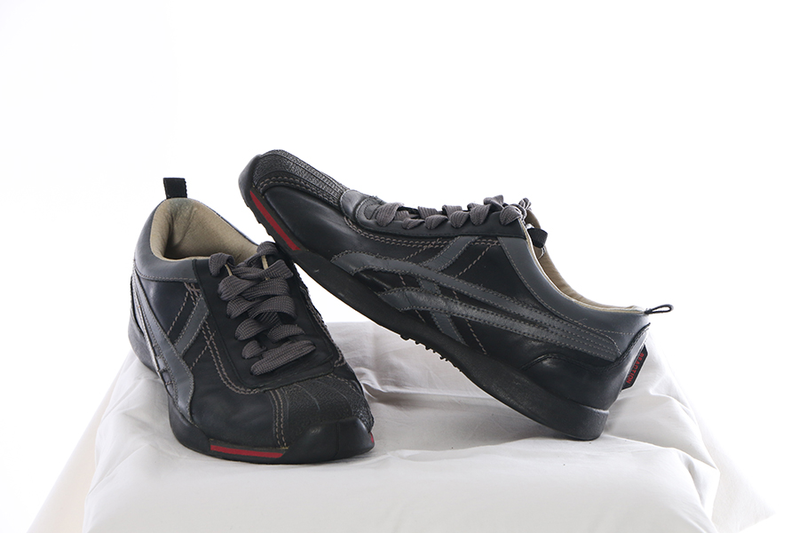 Kenneth Cole Reaction Shell Toe Black and Gray Image